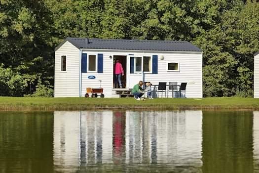 Huisje aan het meer