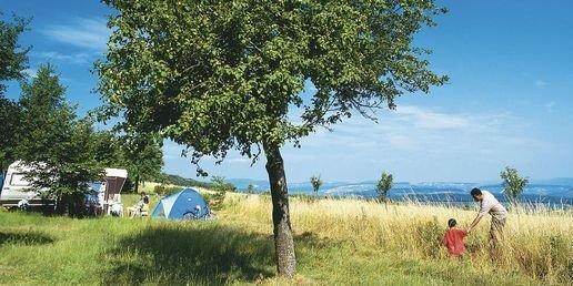 Speelveld bij campeerplaatsen