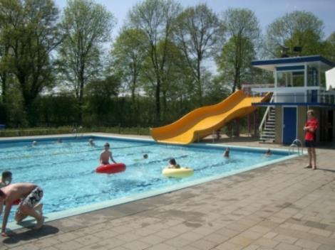 De Tippe, openlucht zwembad